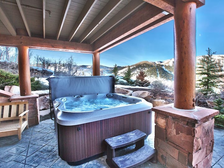 Premier Park City Lodge w/Pool Table & 2 minutes to Main Street, & PC Ski Lift.