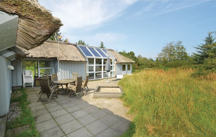 Holiday cottage with 4 bedrooms on 171m² in Fjerritslev