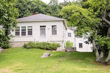 Secluded Goose Rocks Beach Property - Kennebunkport - Hus