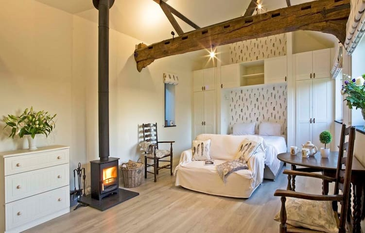 The Roost- a romantic feathered nest