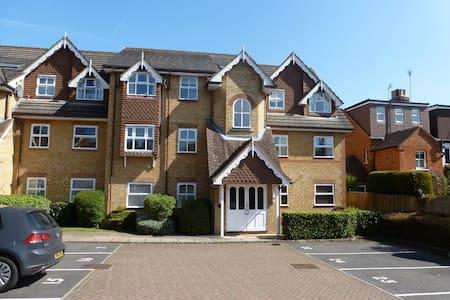 2 Bedroom Apartment in central Sunningdale - Sunningdale - Pis