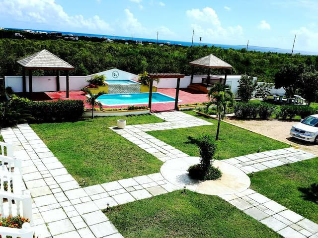 Luxurious 2 bdrm Villa - Anguilla