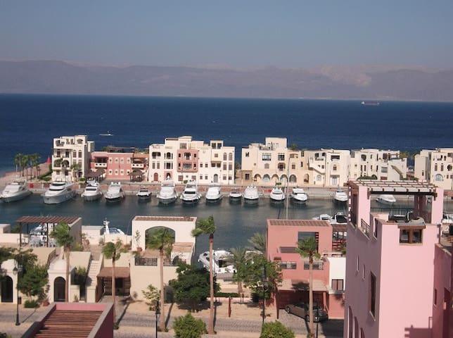 Sea View Apartment - Tala Bay Resort, Aqaba