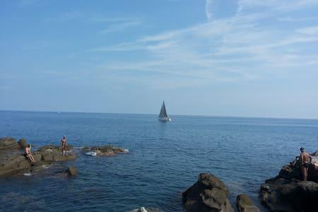 Lovely apart. for 2-4 near the sea - Bordighera