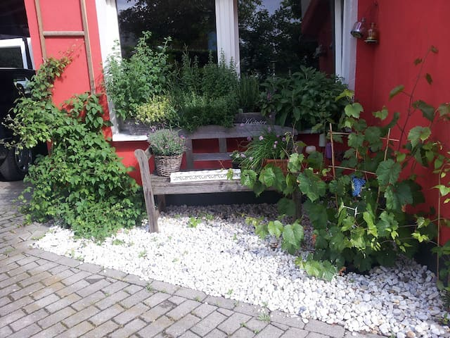 Kunterbuntes Haus im Bergischen - Neunkirchen-Seelscheid - Hus