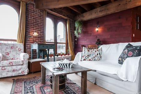 Stunning water-view and tasty loft in Old Montreal - Montréal - Lakás
