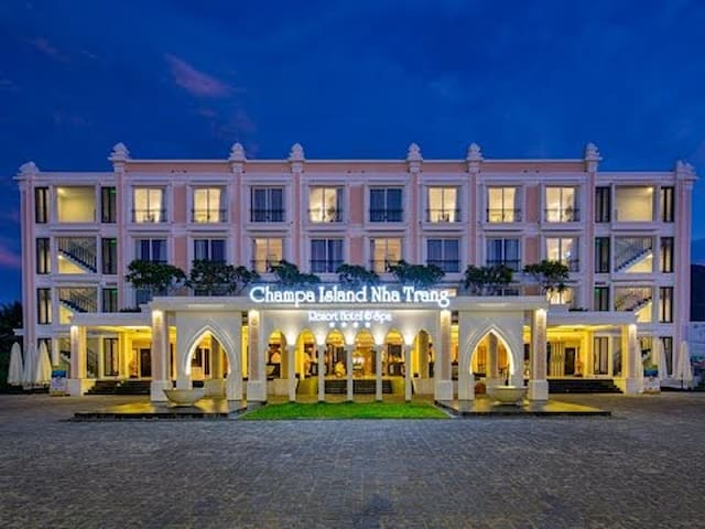 Privileged 2-Room Condotel in 5-star Resort