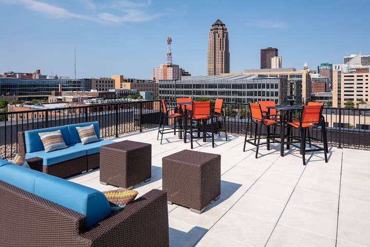 Resort Style Suite in Downtown Des Moines