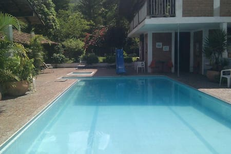 villa near medellin up to 40 guests - เมเดลลิน