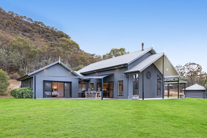 Barefoot at Broke (Hunter Valley) Luxurious home