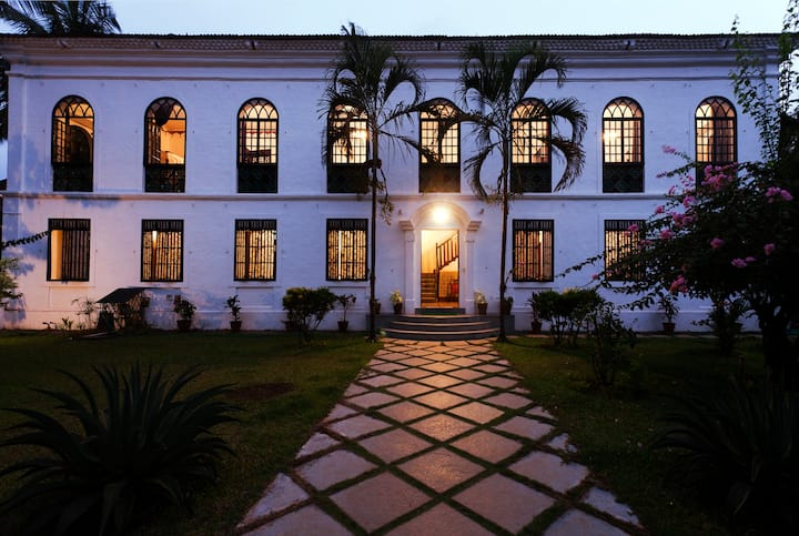 Amazing Portuguese Manor in Goa