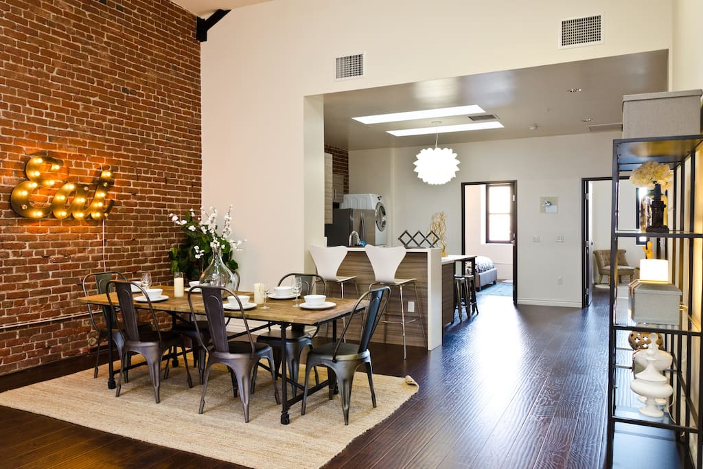 Historic remodeled 2 bdrm penthouse apartments for rent for Penthouse apartment los angeles