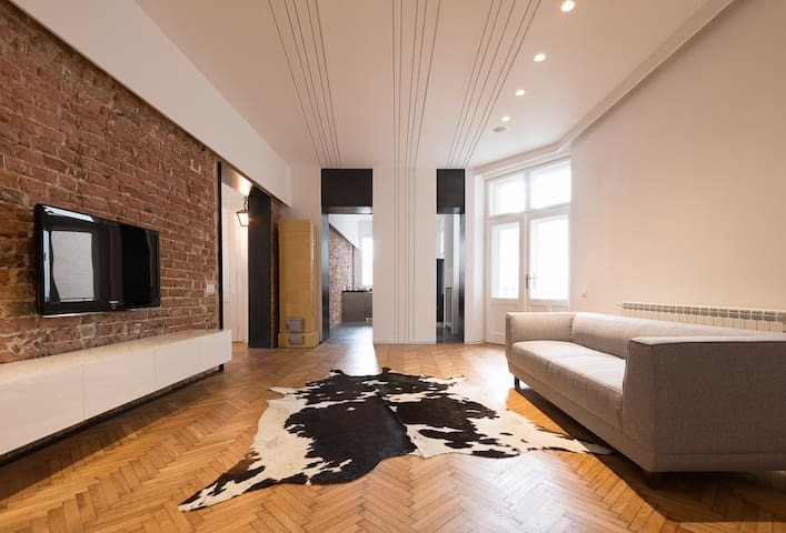 Design flat in Belgrade downtown Dorcol (130m2)