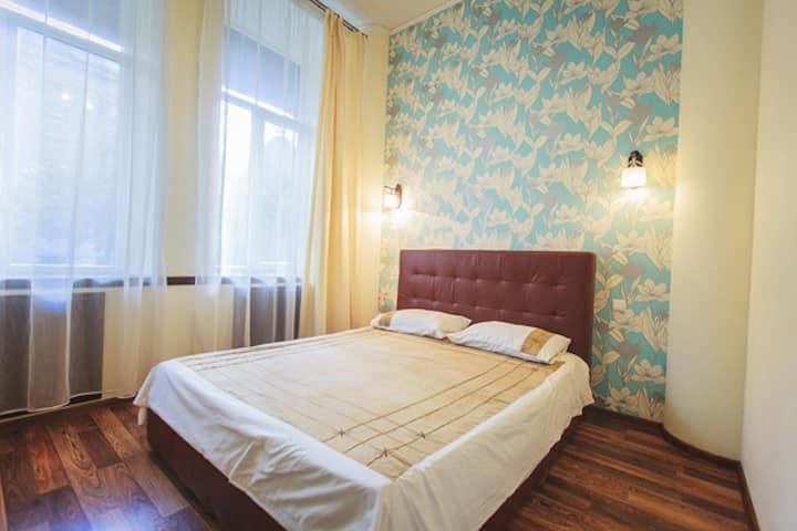 Cozy 3 rooms flat ( 2 bedrooms ) city center Py54!
