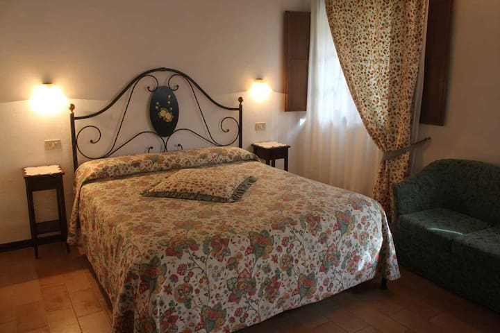 La Selva Farmhouse (Siena) - Siena - Bed & Breakfast