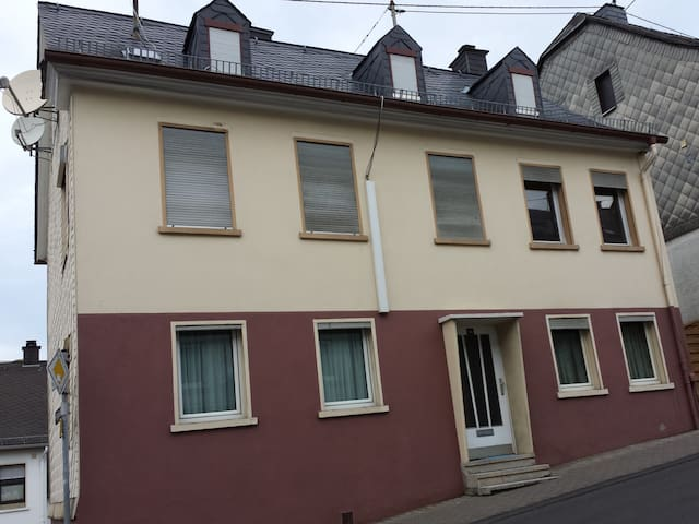 Home in Idar-Oberstein, Ground floor is all yours!
