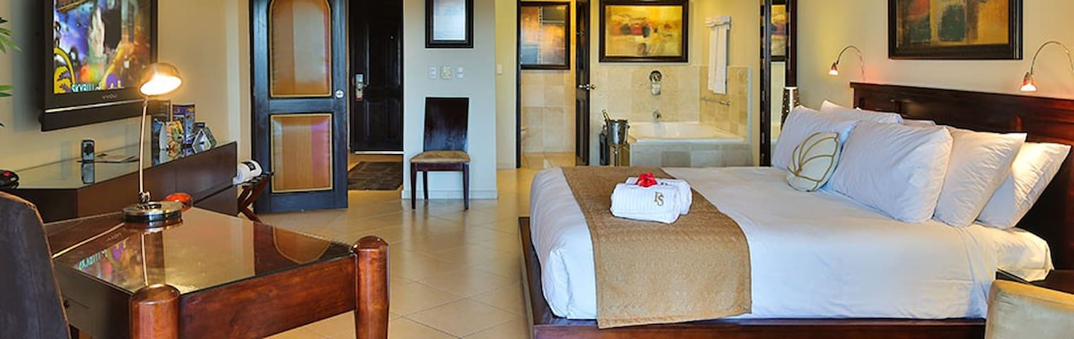 2 BR Presidential Suite - Access to All VIP Areas - Cofresi - Wohnung