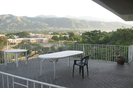 Liguanea view, near USA Embassy DBL - Kingston