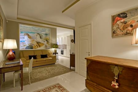 Luxury flat in the center of Rome