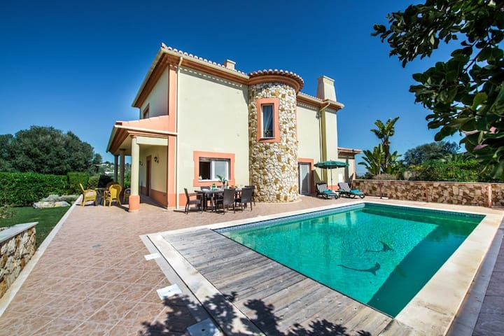 Katja, 4 bed Villa @ Boavista Golf and Spa resort