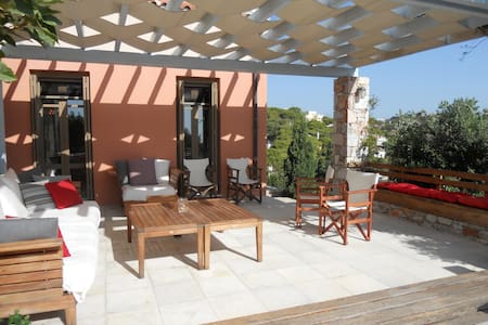 Serene & Classy isle Guesthouse -Quality & Privacy - Syros - Rumah
