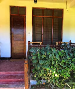 Room4 in a exotic Garden