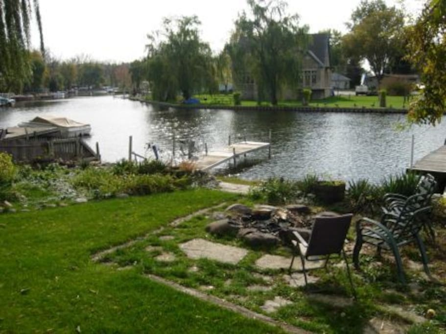 Hennessey 39 s hideaway houses for rent in fox lake for Lake hennessey fishing