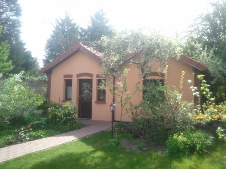 Cottage ind pendant au calme maisons louer rueil for Maison de l europe rueil