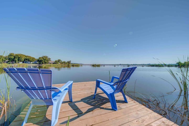 *Peaceful Million $$ VIEWS*- Lake Granbury w/Dock!