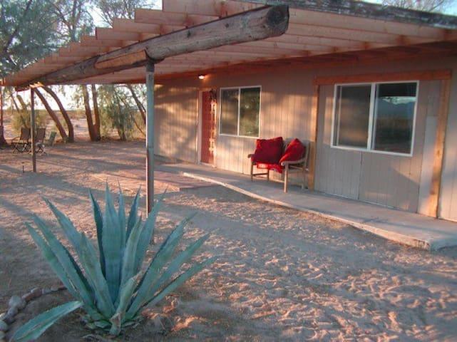 Casa Agave Desert Ranch Getaway - Twentynine Palms - Maison