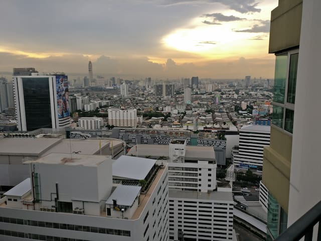 Nice private room with own bathroom close to MRT - Bangkok - Condominium