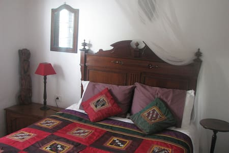 Comfortable, homely single in B&B - Tías