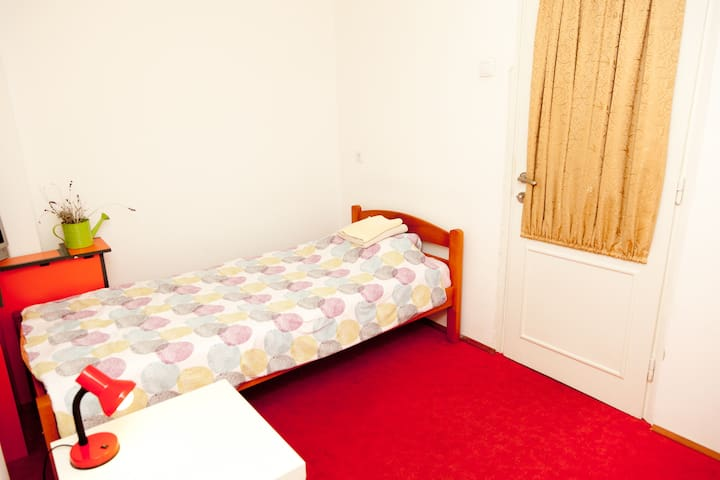 Single Private Room - New Belgrade - เบลเกรด