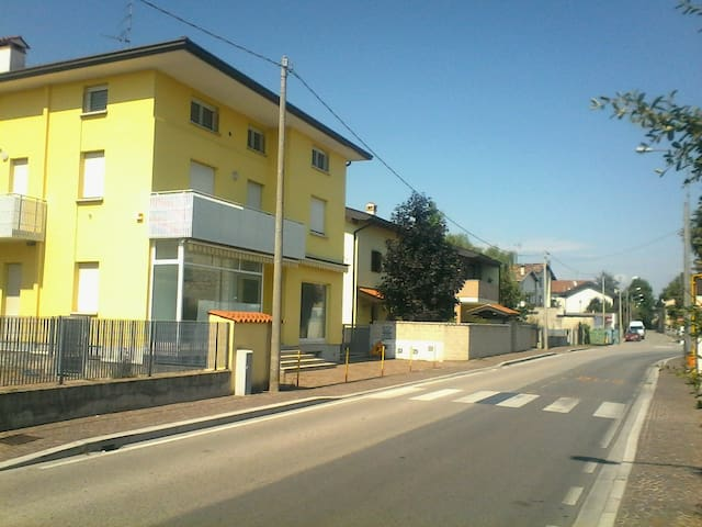 Nice Holiday apartments  with parking UDINE - Udine - Hus