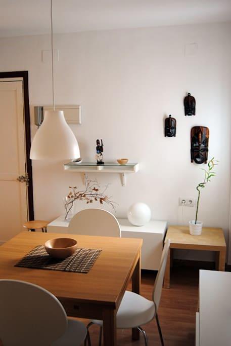 Entrada y comedor / Entrance and dining room
