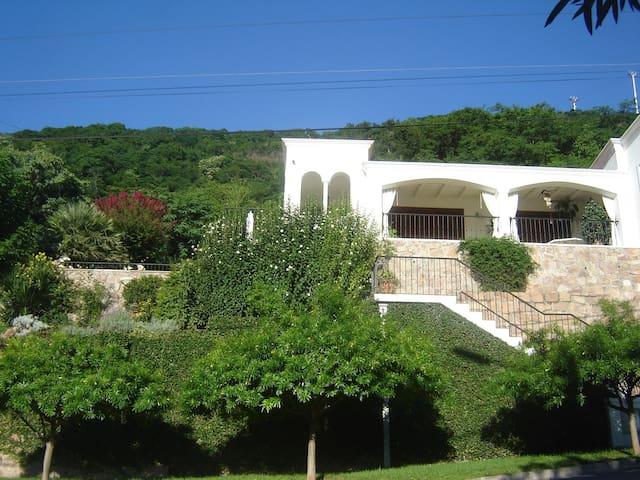 Habitacion doble en bella casa - Salta - Casa