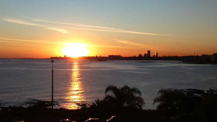 Waterfront Suite, the best view in town. Free WiFi - Montevideo - Talo