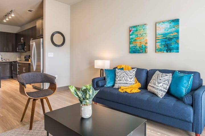 Midtown + Updated Apartment, near Atlantic Station