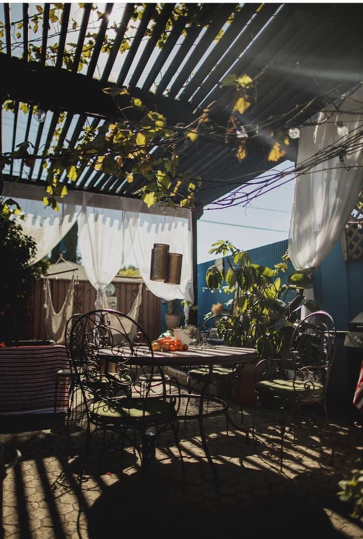 Mid Century Los Angeles Garden Studio