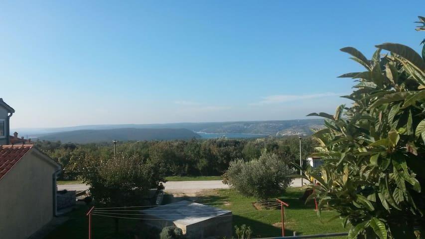 Great apt  seaview in Istra, extra service av. - Koromačno - Apartment