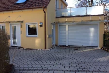 Haus mit Sauna und Dachterrasse - Unterschleißheim