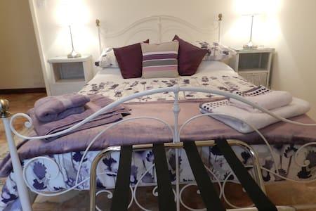 le Grand Chemin - Champagne Room - Montcaret