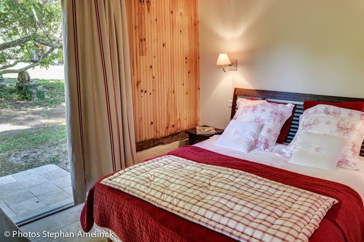 Chambre tout confort avec terrasse côté Est