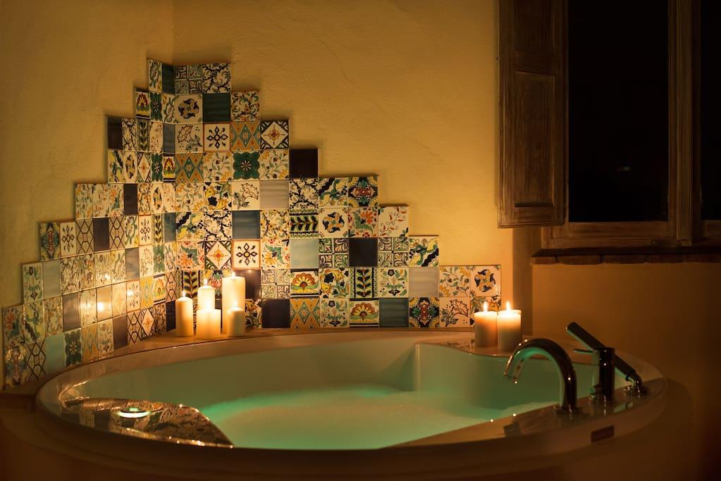 Vasca idromassaggio stanza Frida
