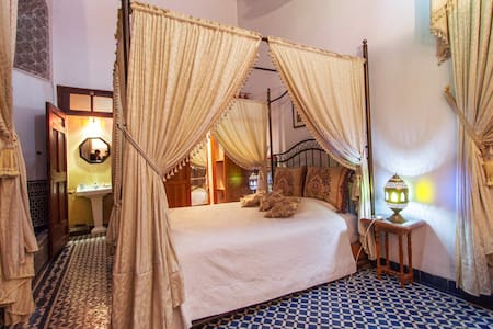 Room type: Private room Property type: Bed & Breakfast Accommodates: 4 Bedrooms: 1 Bathrooms: 1
