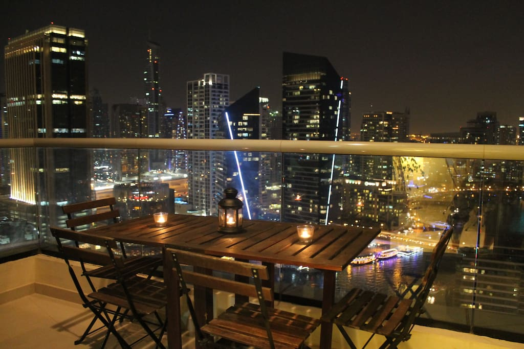 Balcony to dine outside with an amazing view!!!