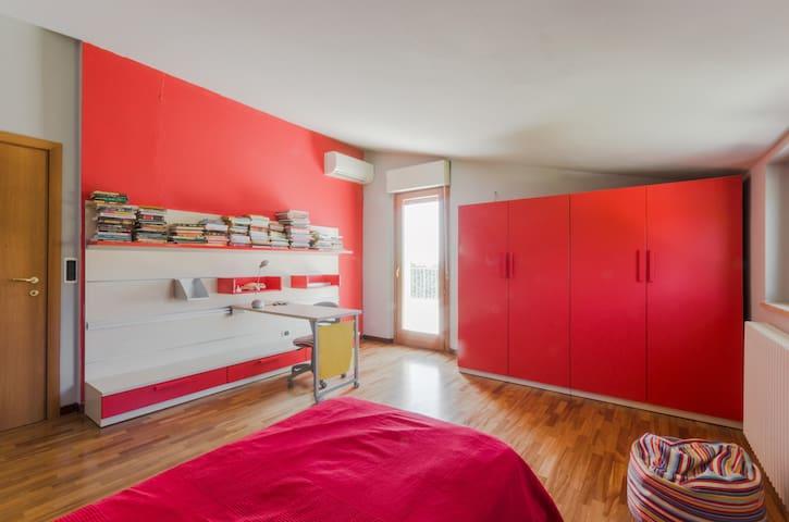 Комната с односпальной кроватью - Pescara - Huis