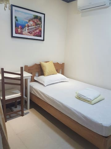 Pension House - Room 4 (Mauban, Quezon) - Mauban - Bed & Breakfast