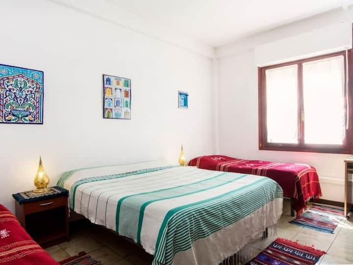 MOON HOUSE AIOSARDEGNA CAGLIARI - CAMERA TRIPLA BC