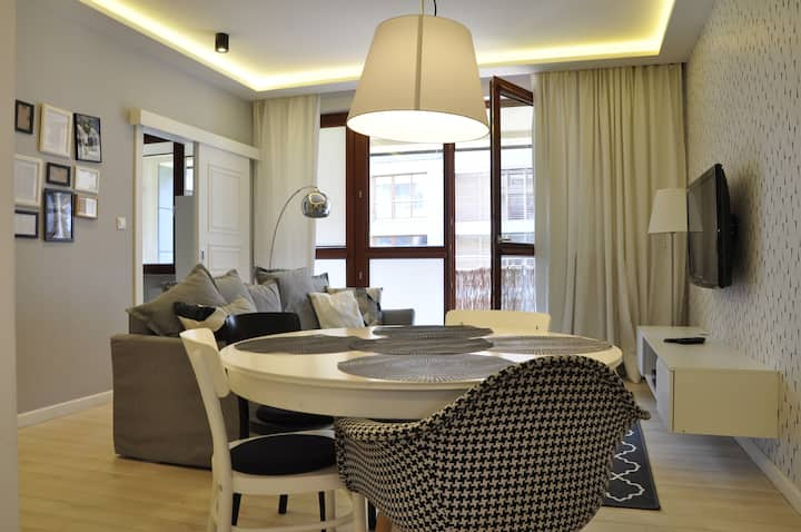 Prudentia Apartments Wilanów Deluxe 3 Pokoje